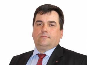 Vasile Avram, primarul comunei Todireşti