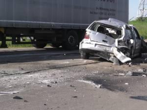 Autoturismul VW Golf care a fost implicat în accident