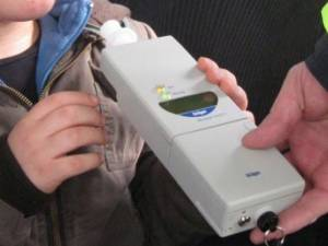 Unul dintre şoferii inconştienţi avea o alcoolemie de aproape 1,2 mg/l alcool pur în aerul expirat