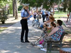 Politia Locală derulează o campanie de informare a cetățenilor cu privire la spațiile de joacă pentru copii