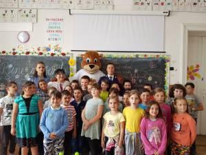 """Premiul I Faza Naţională ,,Şcoala Siguranţei TEDI!"""" a fost câştigat de elevi de la Şcoala ,,Petru Comarnescu"""" Gura Humorului"""