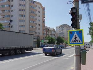 Trecerea de pietoni de pe Calea Obcinilor la care s-au montat deja semafoare