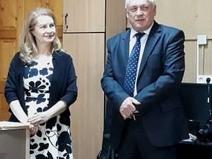 Directoarea CCD, Elena Manuela David, alături de Gheorghe Lazar, inspectorul școlar general