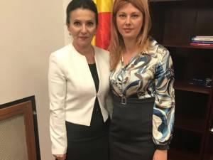 Deputatul Maricela Cobuz și ministrul Sănătăţii, Sorina Pintea