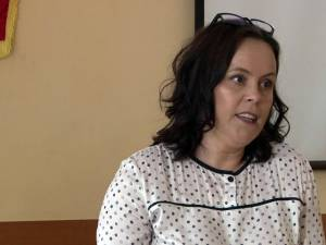 Prof. Laurica Ciurari este coordonatoarea centrului de examinare DELF de la Suceava