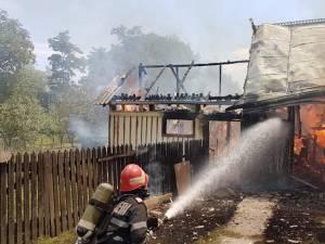 Incendiu puternic la Stroieşti