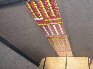 Țigări de aproape 80.000 de euro ascunse în caroseria unui microbuz, descoperite de polițiștii de frontieră suceveni