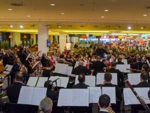 """""""Seară Bohème"""", cu Orchestra Simfonică a Filarmonicii de Stat Botoșani, la Iulius Mall"""