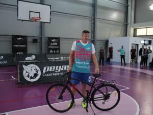 Legenda fotbalului sucevean, Dorin Goian, a devenit biciclist, dupa un meci de baschet