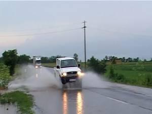 Ploile abundente au afectat şapte localităţi din judeţul Suceava