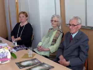 Prof. Gabriela Mihai, prof. Angela Popescu şi prof. Mihai Filip