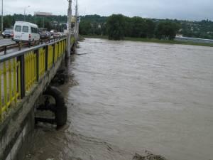 Râuri din judeţul Suceava, sub cod galben de inundaţii