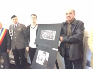 """Lansare de carte şi depuneri de coroane în tabăra internaţională """"Arbeit fur den Frieden"""""""