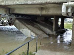 Pasajului pietonal din zona Bazarului, inundat