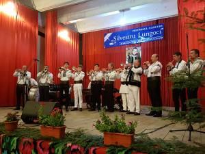 """Concurenți la Festivalul-concurs de interpretare a folclorului muzical """"Silvestru Lungoci"""""""
