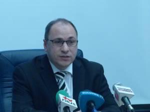 """Rectorul interimar al Universităţii """"Ştefan cel Mare"""", prof. univ. dr. ing. Mihai Dimian"""