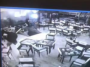 Imagine din timpul agresiunii