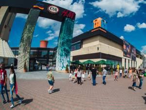 """Târg de antichităţi şi evenimentul """"Global Village"""", la Iulius Mall"""
