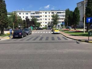 Trecerea de pietoni din zona Policlinicii a fost mutată la jumătatea străzii, iar în zona fostei treceri se vor monta garduri