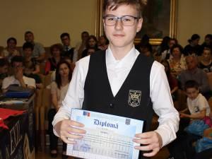 Eduard Valentin Dumitrescul a cucerit medalia de bronz în cadrul celei de-a XII-a ediţii a Balcaniadei de Informatică pentru juniori
