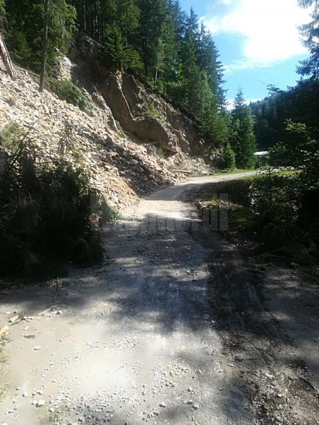 Alunecarea masivă a dus la închiderea drumului