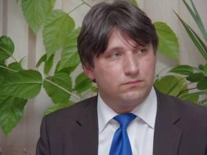 Cezar Anuţei, responsabilul de relaţia cu presa al Inspectoratului Şcolar Judeţean (IŞJ) Suceava