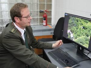 Inspectorul-șef Mihai Gășpărel a prezentat cum se poate determina exact când au apărut construcții  ilegale în fondul forestier, cu ajutorul noilor tehnologii