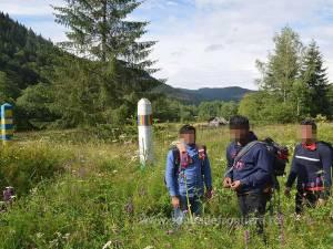 Grupul de migranţi asiatici reţinut de poliţiştii de frontieră suceveni