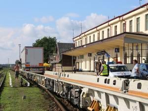 Încărcarea trenurilor RO-LA în Gara Dornești