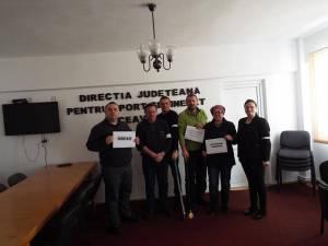 Angajaţii DJST Suceava au protestat printr-o grevă de avertisment de două ore în sediul instituţiei