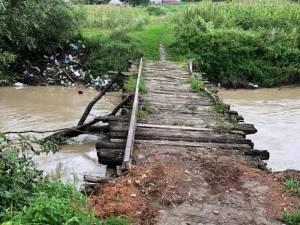Distrugeri provocate de ploile abundente și inundații la Dolhasca
