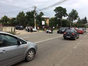 Imagine de la locul accidentului, la puţin timp după impact