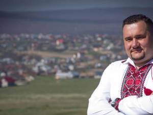 PNL și PSD au semnat un acord de colaborare la Mitocu Dragomirnei pentru schimbarea din funcție a viceprimarului PMP al comunei, Radu Reziuc