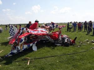 Cele două  avioane care s-au prăbuşit de la o înălţime de 300 de metri