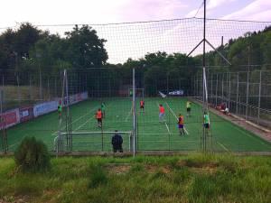 Meciurile noului campionat de minifotbal se vor disputa pe terenul sintetic `La Baza` din Scheia