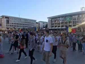 Pe tot traseul manifestanţii au protestat paşnic
