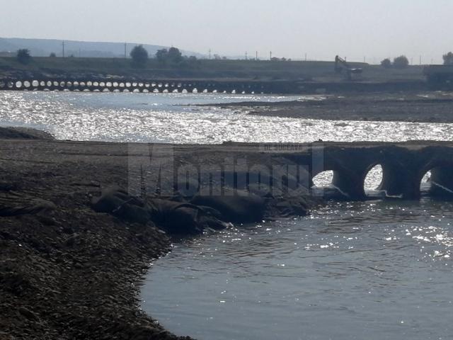 Cele două poduri provizorii de la Milișăuți