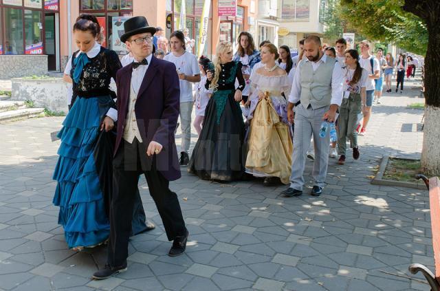Parada costumelor de teatru