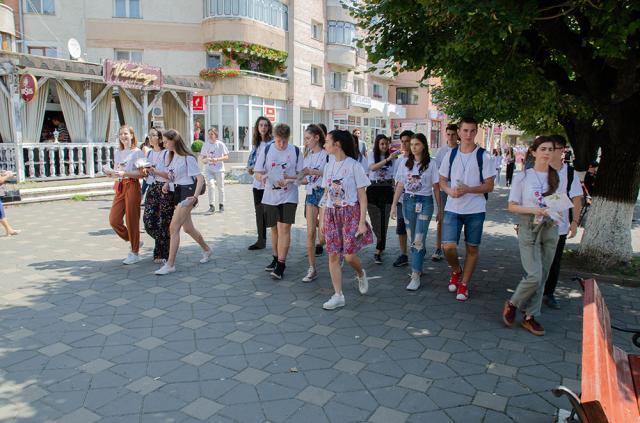 """Festivalul de Teatru pentru Tineret """"Gr. Vasiliu Birlic"""" a adunat din nou iubitorii de cultură din urbea de pe Şomuz"""