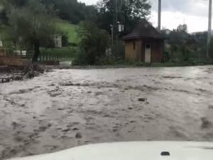 Inundaţii în zona Câmpulung