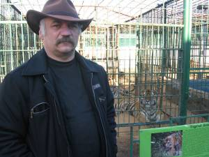 Dorin Şoimaru, administratorul Colţului Zoologic de la Ilişeşti, a mai încasat o amendă de 2.000 de lei