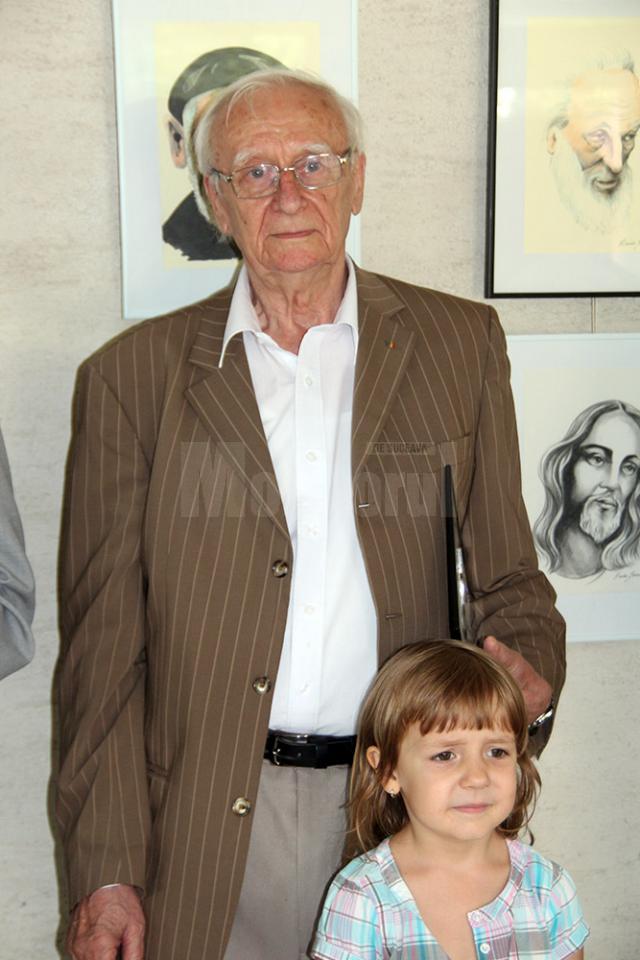Radu Bercea împreună cu nepoţica sa, la evenimentul de la Gura Humorului