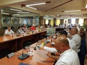 Proiectul inițiat de consilierii PSD privind amenajarea a minim două locuri de parcare la locuințele noi a fost respins