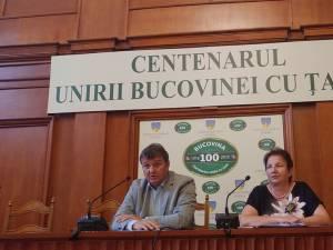 Directorul OCPI Suceava, Vasile Mocanu, și subprefectul Silvia Boliacu