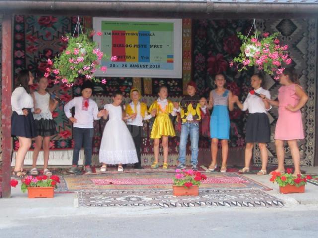 """Copiii din Republica Moldova au fost cazaţi la așezământul """"Mila Creștină"""" și au oferit un program artistic la finalul taberei"""