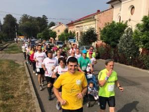 Angajații diferitelor firme din comunitate și din zonă au alergat cu scop caritabil în cadrul unei ștafete de 27 km