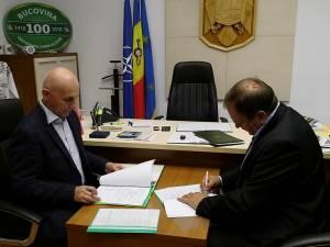 """Flutur a semnat contractul pentru reabilitarea Școlii Gimnaziale Speciale ,,Sf. Stelian"""" din Rădăuți"""