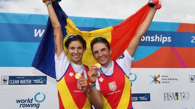 Geanina Beleagă și Ionela Cozmiuc (Lehaci) concurează în proba de dublu vâsle categorie ușoară