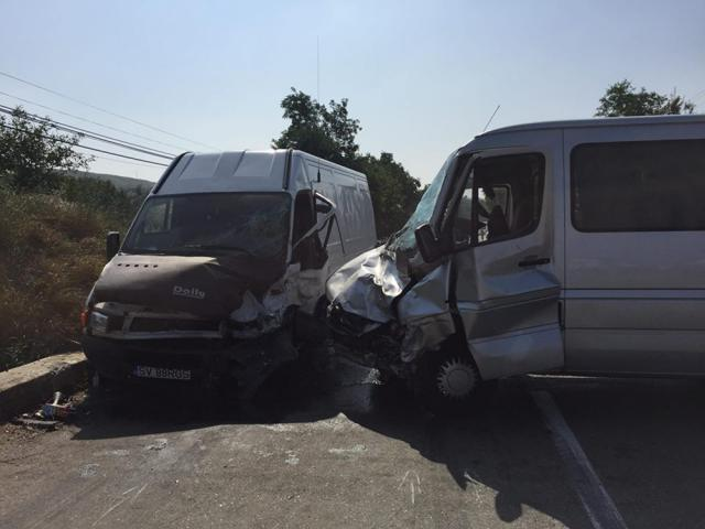 Cele două maşini implicate în accident Foto: BIT TV