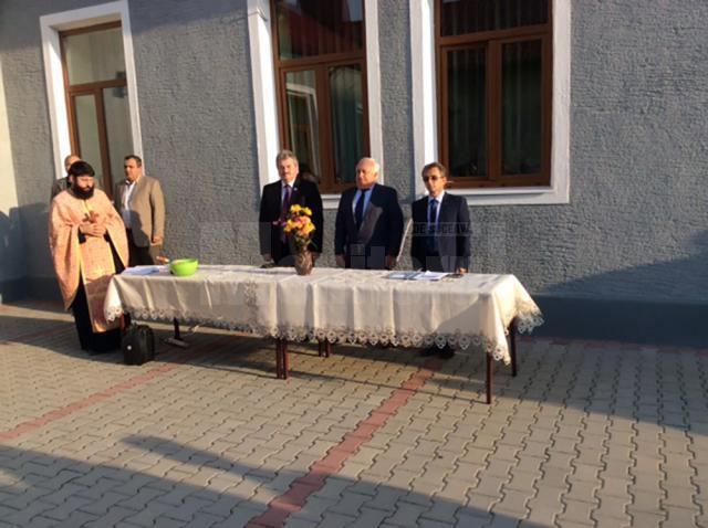 Primarul Nistor Tătar și viceprimarul Bogdan Loghin au inaugurat noul an de învățământ